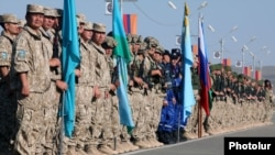 Armenia - Special forces from Russia, Armenia, Belarus, Kazakhstan, Kyrgyzstan and Tajikistan begin joint exercises at the Marshal Baghramian training center near Yerevan, 15Sep2012.