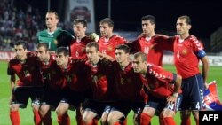 Հայաստանի հավաքականը Սլովակիայի հետ խաղը սկսելուց առաջ, 06 սեպտեմբերի, 2011
