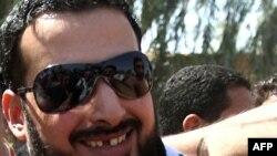 Қамоқдан озод қилинган Мунтазир ал-Заидий кўпчилик араблар томонидан миллий қаҳрамон сифатида кутиб олинди.