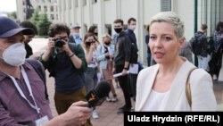 Журналисты Радио Свобода берут интервью у участников акции протеста в Минск