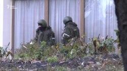 «Зелені чоловічки» в центрі Луганська (відео)