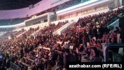 Aşgabatda geçirilen konsert dabaralarynyň biri.