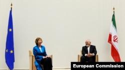 Встреча между Верховным представителем ЕС по внешней политике Кэтрин Эштон и главой МИД Ирана Джавадом Зарифом в Женеве в преддверии переговоров по иранской ядерной программе