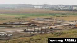 Будівництво автомобільного підходу в Керчі до споруджуваного Кримського мосту