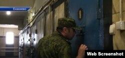 Незаконно засуджених українців утримують в ОРДЛО у звичайних колоніях. Дві найбільші з них знаходяться у містах Єнакієво та Макіївка на Донеччині