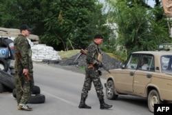 Блок-пост сепаратистов на трассе Донецк-Луганск
