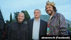 Слева направо: Игорь Крутой, Сергей Аксенов и Филипп Киркоров в «Артеке»