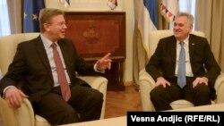Српскиот претседател Томислав Николиќ по денешната средба со еврокомесарот за проширување на ЕУ Штефан Филе