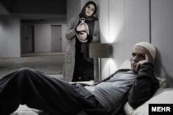 بابک حمیدیان و سحر دولتشاهی در نمایی از آخرین فیلم ایرج کریمی با نام «نیمرخها»