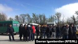 Акция протеста водителей маршрутных такси. Бишкек, 2 апреля 2018 года.