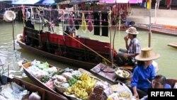 По поводу собственной безопасности никаких предупреждений для туристов, оправляющихся в Таиланд, не делается