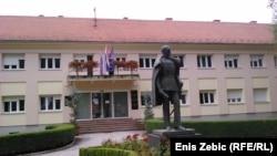 Spomenik banu Jelačiću ispred Gradskog poglavarstva, foto: Enis Zebić