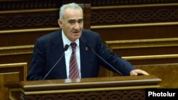 Armenia - Galust Sahakian addresses fellow parliament deputies, Yerevan, 23May2013.