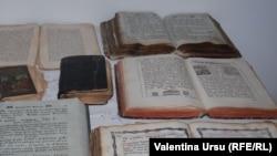 Dini kitablar