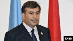 И в России, и в Грузии нынешнюю встречу президентов считают самой важной, поскольку противоречия между Москвой и Тбилиси достигли беспрецедентной остроты