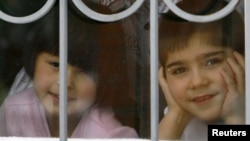 Дети в приюте в Ростове-на-Дону
