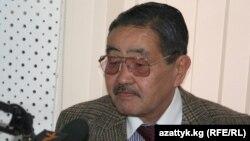 Өмүрбек Кутуев.