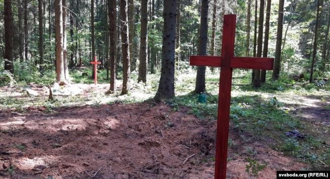16 крыжоў зьявілася ў лесе гэтымі днямі