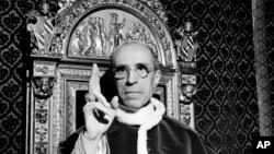 Papa Pius al XII-lea într-o imagine de arhivă de la Vatican, septembrie 1945