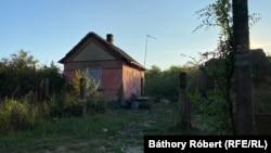 A Kauzsay-tanyán összesen két utca van: a Jókai és a Mohos. A Mohos utcában már csak három ingatlan lakott. A többi ház már összedőlt.