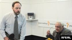 Владимир Кара-Мурза и Владимир Буковский в студии Радио Свобода. 2007 год