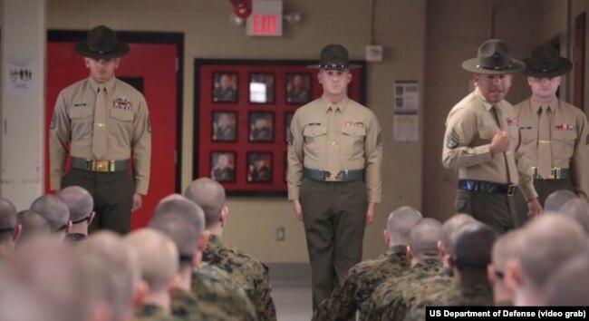 Сержанти-інструктори американської армії