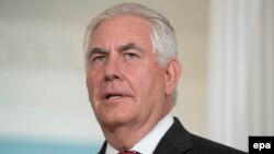 U.S. Secretary of State Rex Tillerson had urged lawmakers not to restrict the White House's ability to negotiate with Russia, but the Senate moved closer to cementing existing sanctions against Moscow and imposing new ones. (file photo)