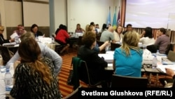 Участники тренинга по подготовке мониторинговых групп уполномоченного по правам ребенка. Астана, 24 мая 2017 года.