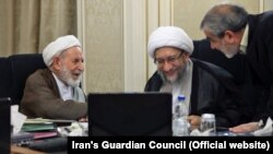 Members of the Guardian Council, Abbasali Khakhodaei (R), Sadegh Larijani (C) and Mohammad Yazdi in one of its session on Wednesday, August 29, 2019.