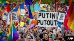 Демонстрация против российской гомофобии. Амстердам, 25 августа 2013