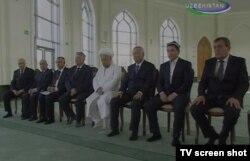 Rahmatulloh Sayfutdinov marhum prezident Islom Karimovning chap yonida, 2014 yil, oktyabr oyi
