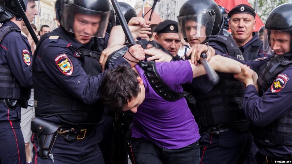 «Левада-центр»: в России небывалый рост протестных настроений
