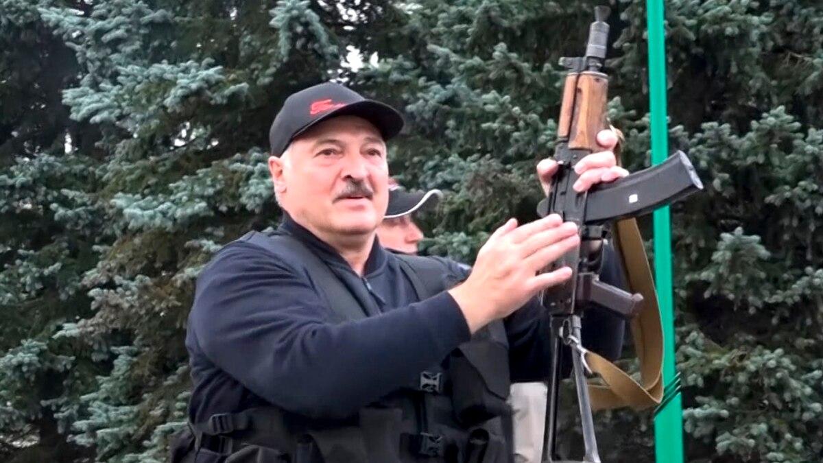Людей заперли в ОРДЛО, Киев не признает Лукашенко президентом: неделя в Донбассе
