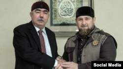 Ауғанстан вице-президенті Абдул Рашид Достум (сол жақта) және Шешенстан басшысы Рамзан Қадыров. Грозный, 5 қазан 2015 жыл.