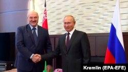 Presidenti i Bjellorusisë, Alyaksandr Lukashenka, dhe ai i Rusisë, Vladimir Putin. Soçi, 14 shtator, 2020.