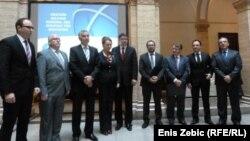 Ministri nakon potpisivanja projekta, Zagreb, 25. listopada 2013.
