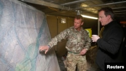 Архивска фотографија - Камерон во Авганистан, декември, 2013