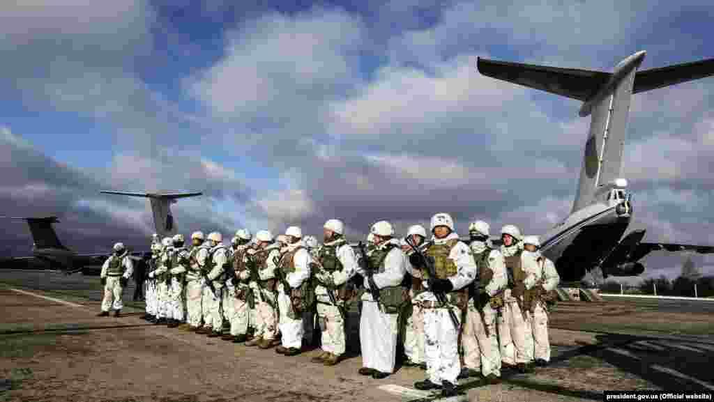 Бійці Десантно-штурмових військ Збройних сил України. Житомирщина, 6 грудня 2018 року