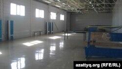Один из складов компании Caspiy Electronics. Актау, 9 октября 2013 года.