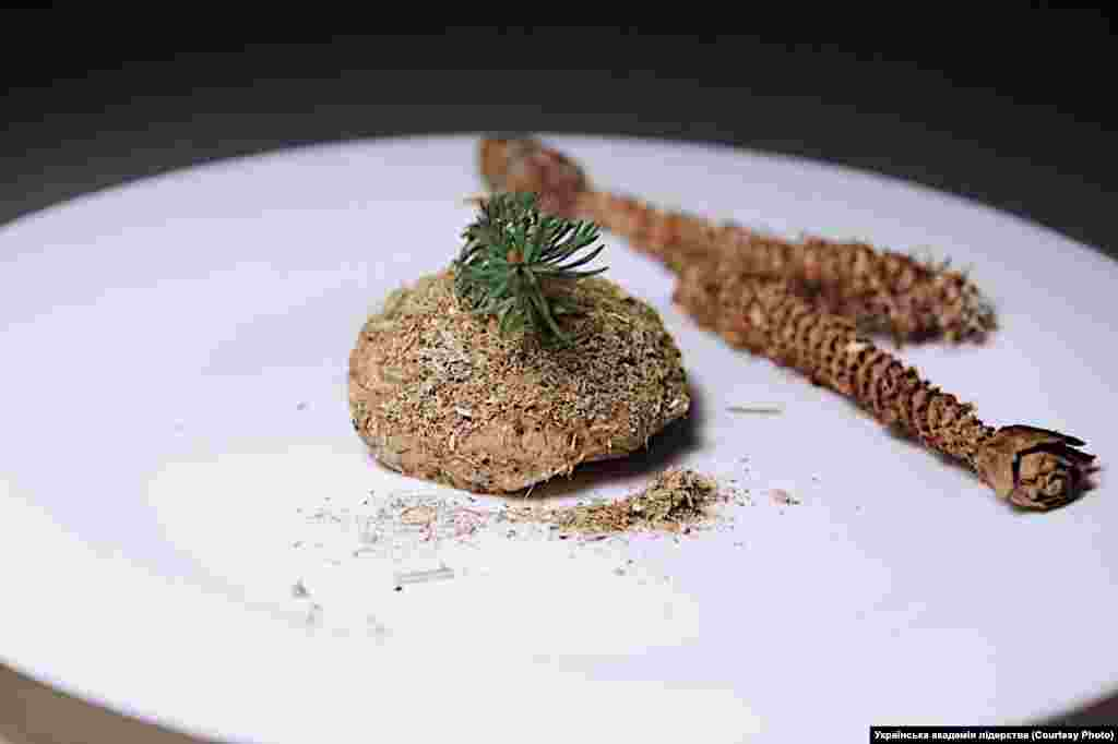 Хлібці –запечена кришена солома разом із просяною й гречаною половою, макухою з конопляного сім'я, товченого в ступі