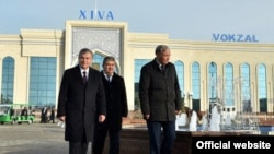 Bosh vazirning birinchi o'rinbosari Ochilboy Ramatov prezident Shavkat Mirziyoyevning eng sadoqatli mulozimlaridan biri ekani aytiladi.