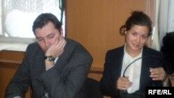 Мария Гайдар с адвокатом Александром Глушенковым