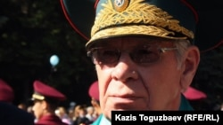 Қазақстан қорғаныс министрінің бұрынғы орынбасары, генерал-майор Валерий Сапсай. Алматы, 9 мамыр 2012 жыл.