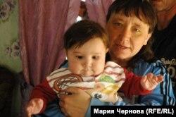 Бабушка с сыном Валерия и Екатерины Грязновых