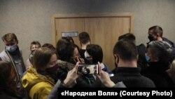 Suđenje bjeloruskim novinarkama Katsjarjni Andreevoj i Darii Čultsovoj, Minsk, 9. februar, 2021.