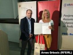"""Jedna od dobitnica nagrade """"Srđan Aleksić"""" je i novinarka Radija Slobodna Evropa Maja Nikolić"""