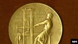 Так виглядає золота Пулітцерівська медаль