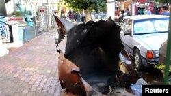 Минадан бүлінген автокөлік қаңқасы. Дамаск, Сирия, 30 қазан 2013 жыл. (Көрнекі сурет)