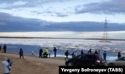 Sante leda plutaju na rijeci Lena u Jakutsku.