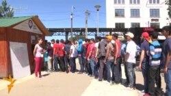 Migrantët presin ndihma për Bajram në Beograd